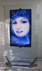 touch display totem Lumina 2012